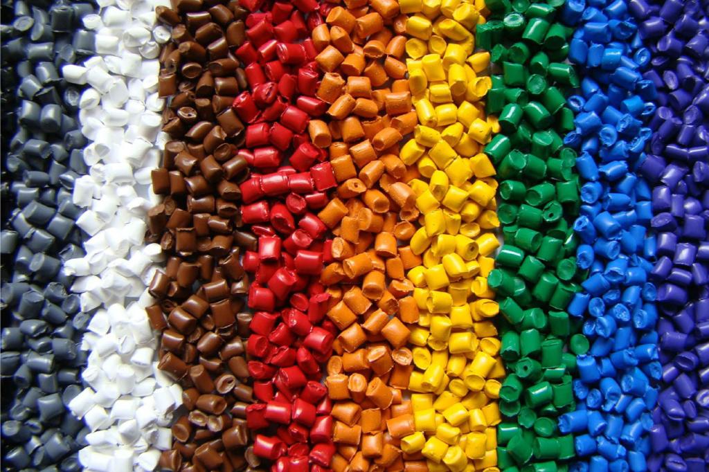 Hạt nhựa - nguyên liệu chính trong sản xuất bao bì cần được bảo quản tốt