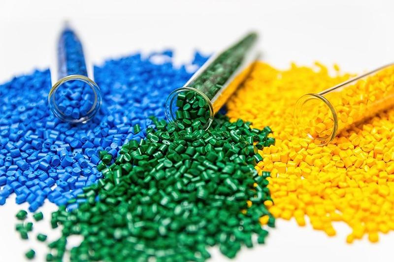 Hạt nhựa nguyên sinh được nhập khẩu - công ty in bao bì tại tphcm