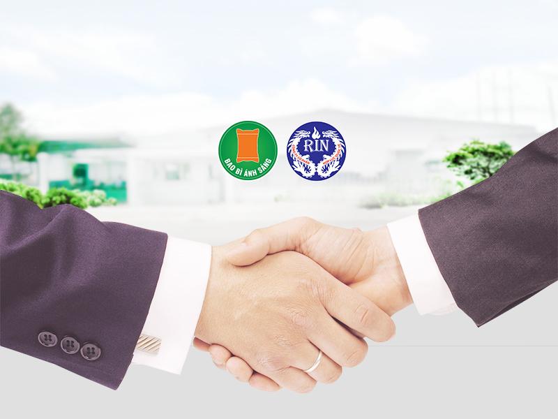Bao Bì Ánh Sáng hợp tác cùng Hợp Lực Quốc Tế