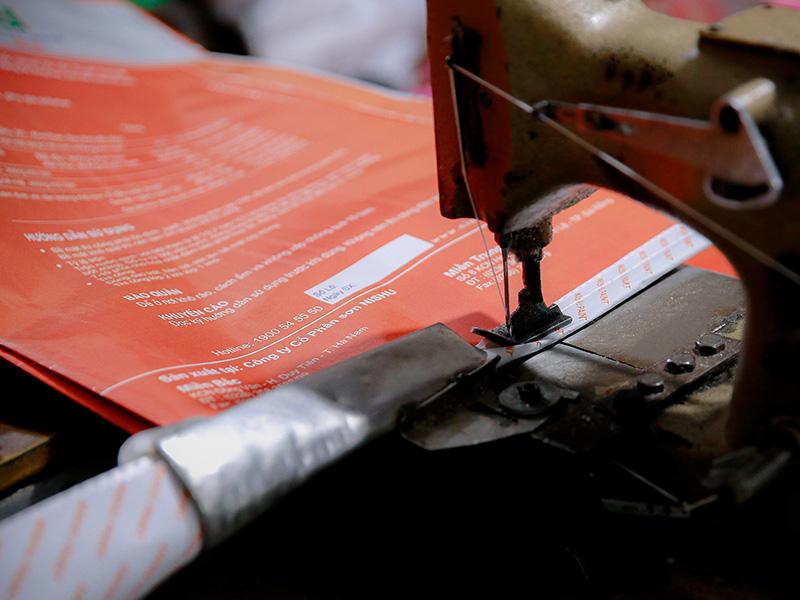 Công đoạn kiểm tra và đóng gói bao bì giấy in offset