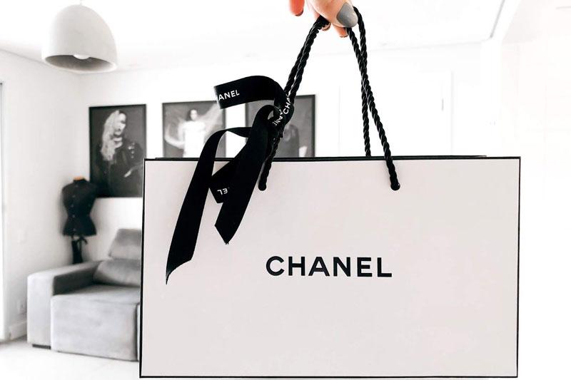 Mẫu thiết kế đơn giản của Chanel - xu hướng thiết kế bao bì đẹp nhất 2020