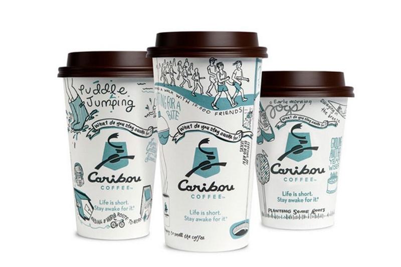 Ly giấy đẹp của Caribou Coffee với những hình ảnh gần gũi, màu sắc đơn giản nhưng khá bắt mắt. - in cốc giấy