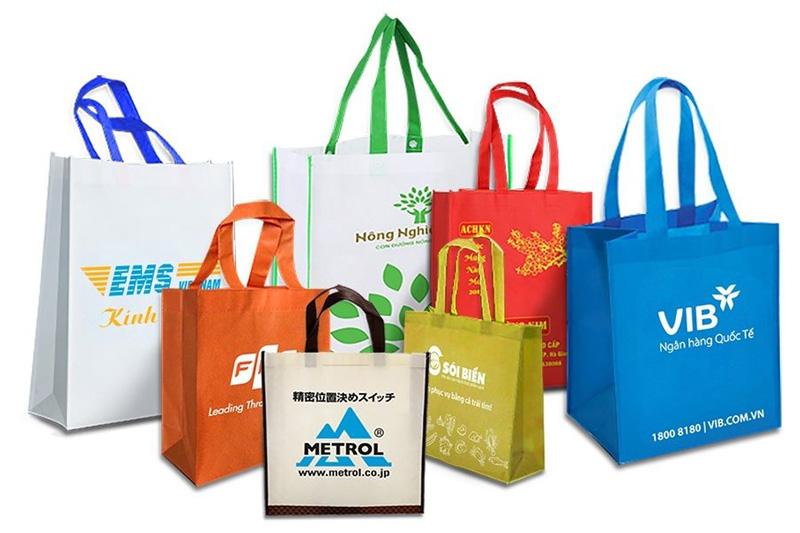 Nhiều doanh nghiệp đầu tư vào thiết kế bao bì, túi xách thân thiện với môi trường - túi vải không dệt