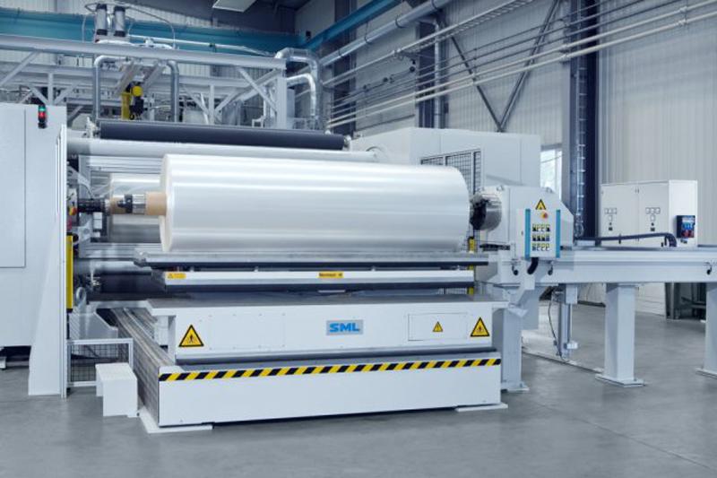 Bao Bì Ánh Sáng sở hữu máy móc và dây chuyền sản xuất màng CPP hiện đại - màng cpp