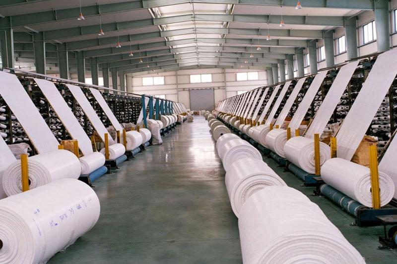 Doanh nghiệp nên chọn những cơ sở sản xuất có hệ thống dây chuyền hiện đại - mành pp dệt - mành pp ghép kraft