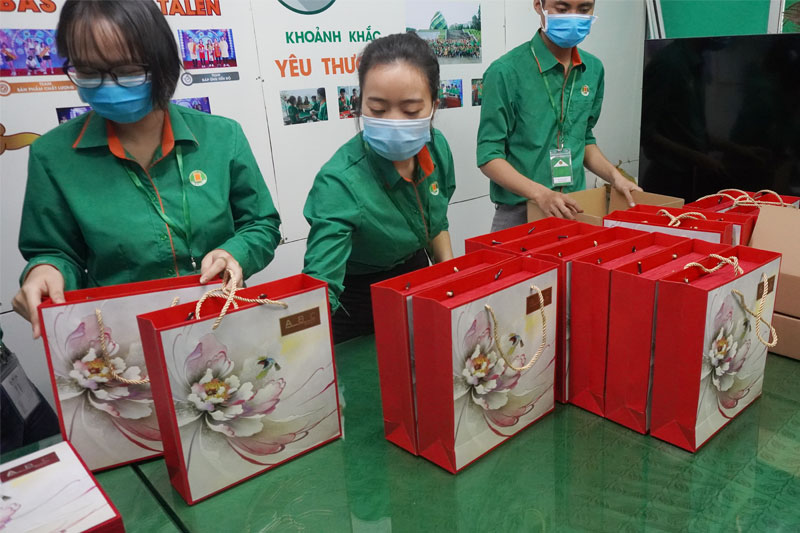 Những hộp quà được đóng gói cẩn thận