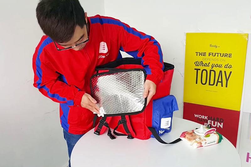 Màu sắc túi giữ nhiệt sẽ luôn tươi mới khi được bảo quản đúng cách - màu sắc túi giữ nhiệt