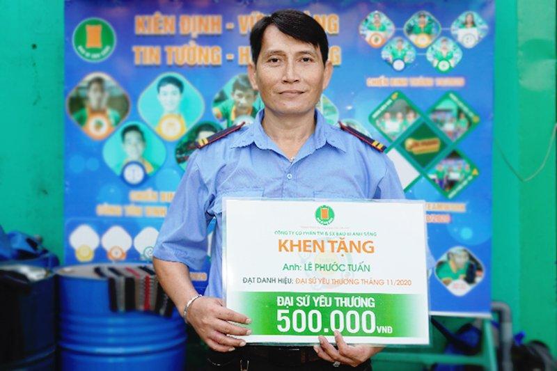 Anh Lê Phước Tuấn nhận danh hiệu Đại sứ Yêu Thương tháng 11