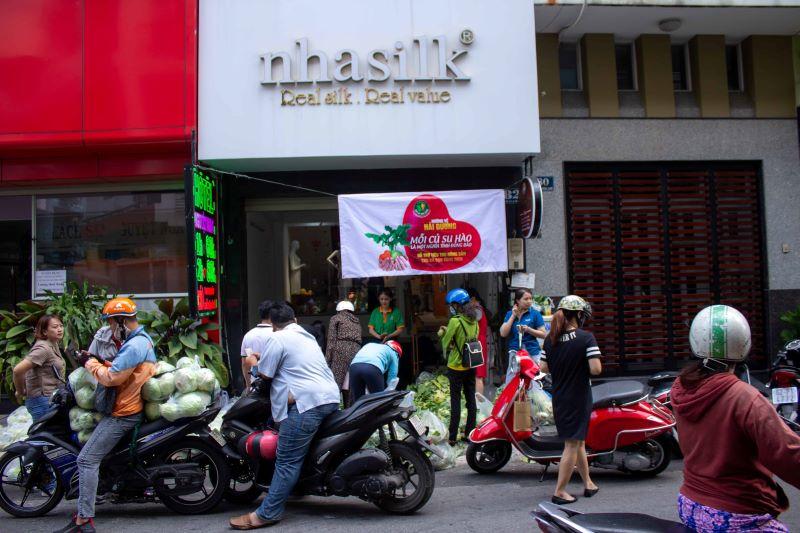 Điểm bán thứ 2 tại 82 Hoa Lan, Phú Nhuận, TP.HCM